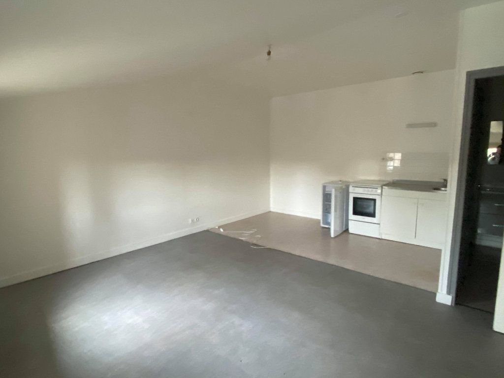 Appartement à louer 1 26.11m2 à Niort vignette-1