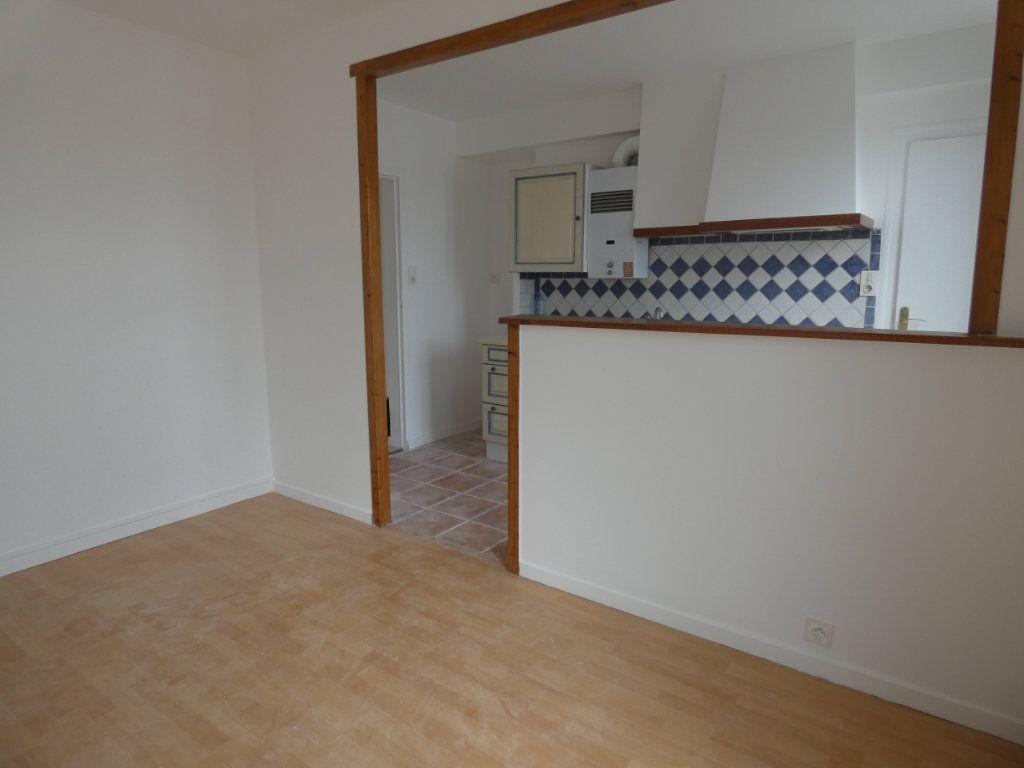 Appartement à vendre 3 65.3m2 à Niort vignette-4
