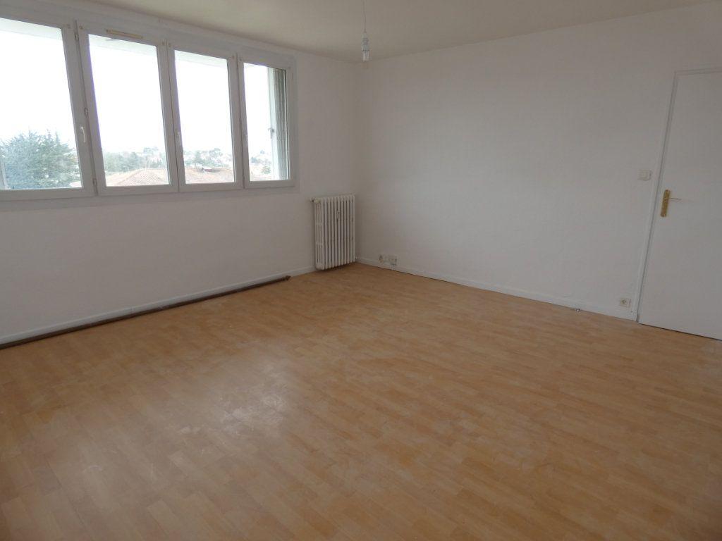 Appartement à vendre 3 65.3m2 à Niort vignette-5
