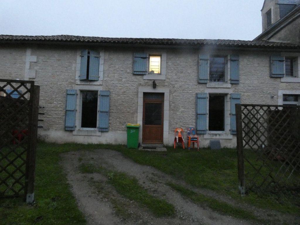 Maison à vendre 4 80m2 à Coulonges-sur-l'Autize vignette-1