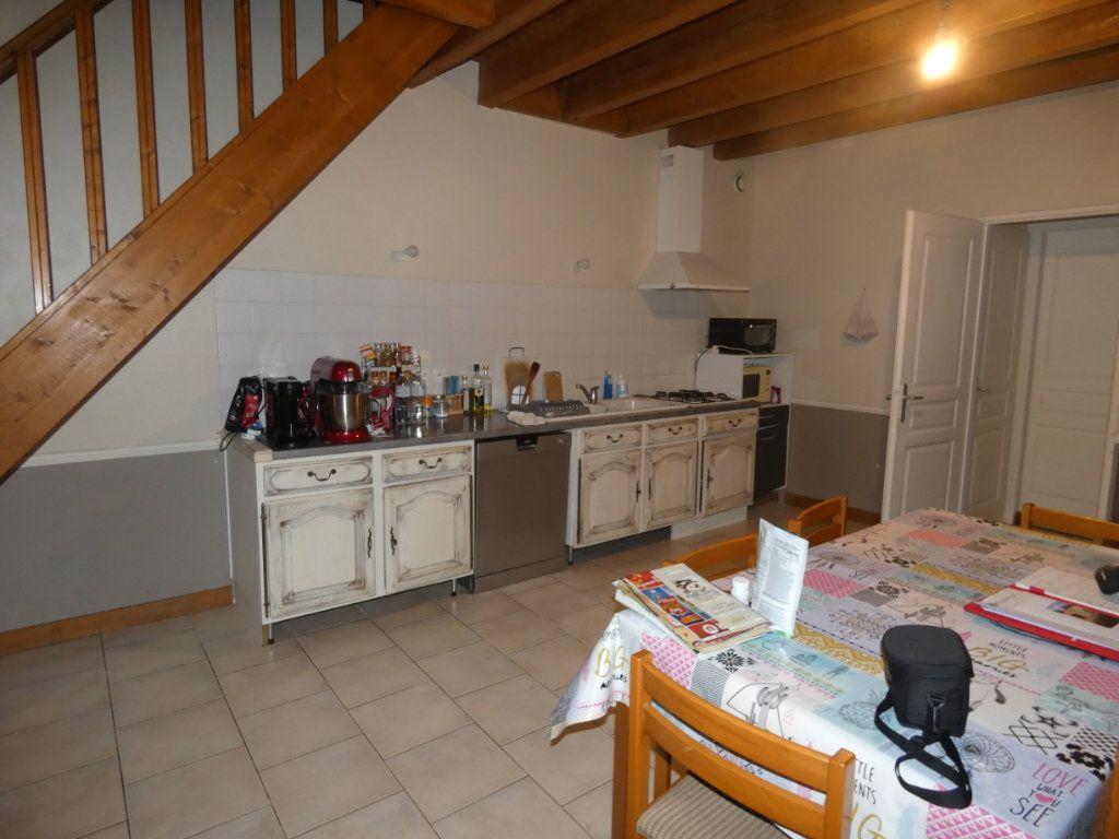 Maison à vendre 4 80m2 à Coulonges-sur-l'Autize vignette-3
