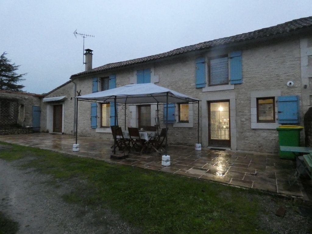 Maison à vendre 5 128m2 à Coulonges-sur-l'Autize vignette-1