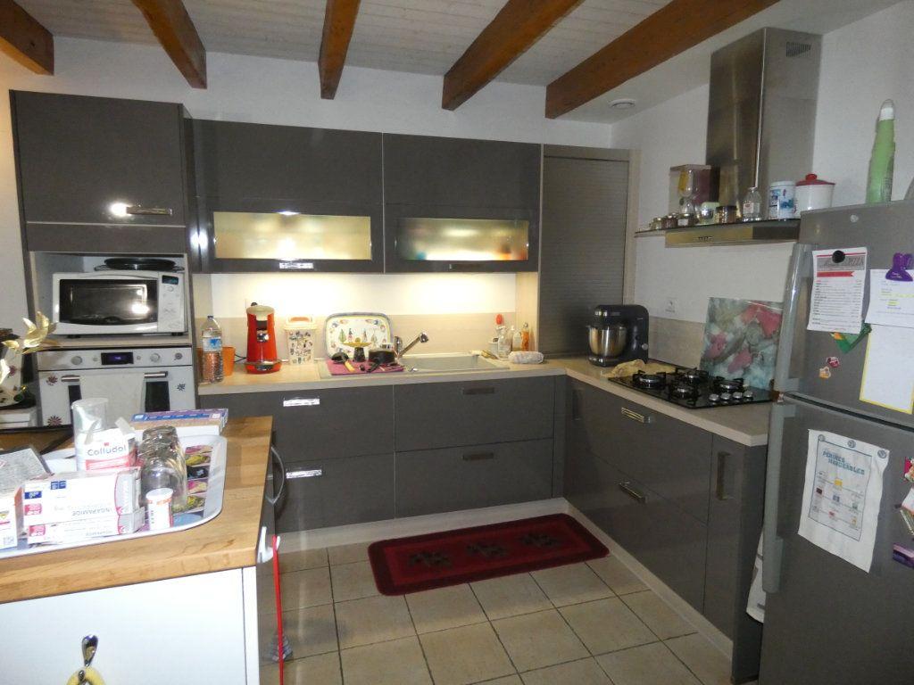 Maison à vendre 5 128m2 à Coulonges-sur-l'Autize vignette-3