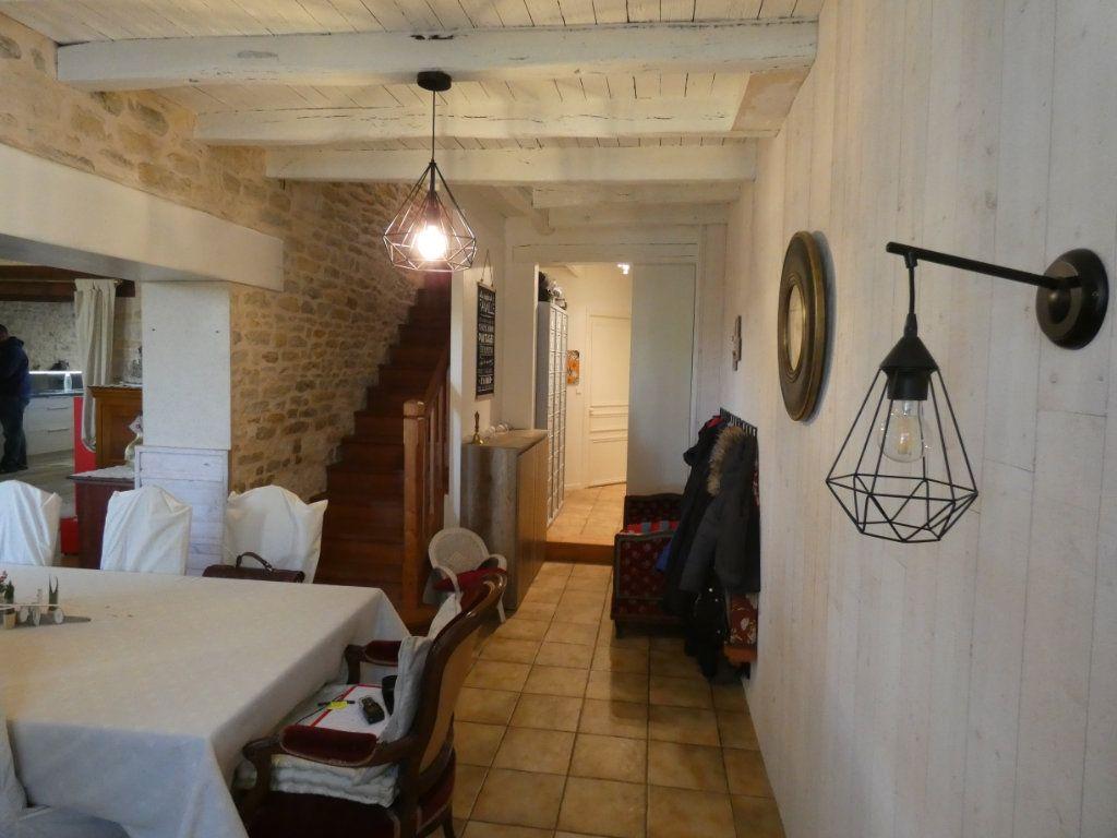 Maison à vendre 10 340m2 à Coulon vignette-7