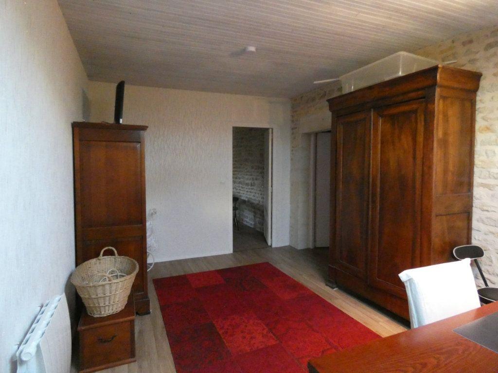 Maison à vendre 10 340m2 à Coulon vignette-12