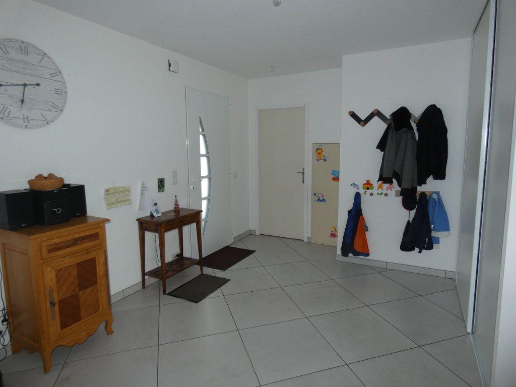 Maison à vendre 5 150m2 à Mazières-en-Gâtine vignette-8