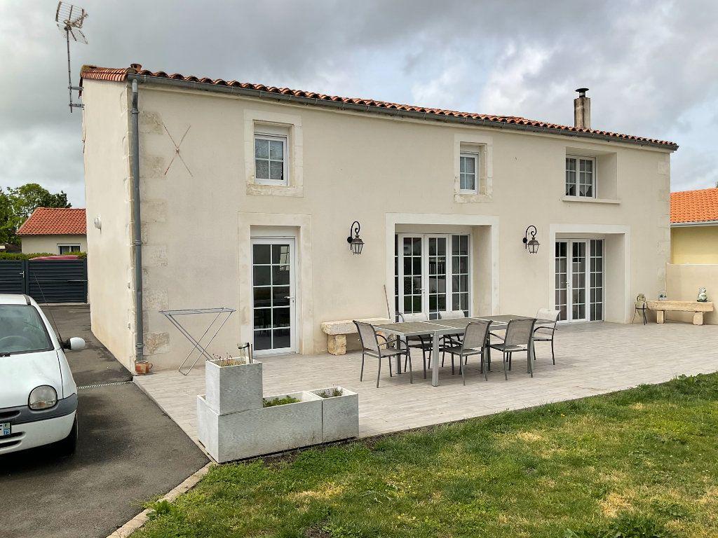 Maison à vendre 6 160m2 à Coulon vignette-4