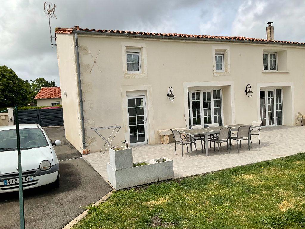 Maison à vendre 6 160m2 à Coulon vignette-5