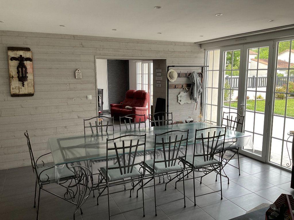 Maison à vendre 6 160m2 à Coulon vignette-8