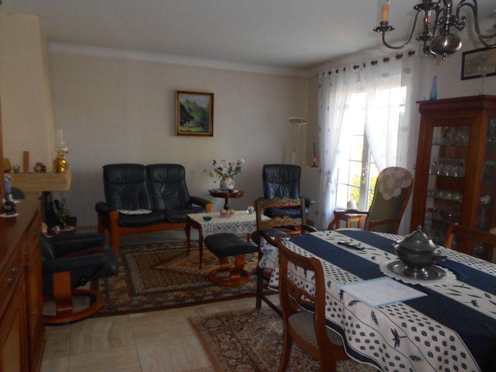 Maison à louer 5 130m2 à Niort vignette-2