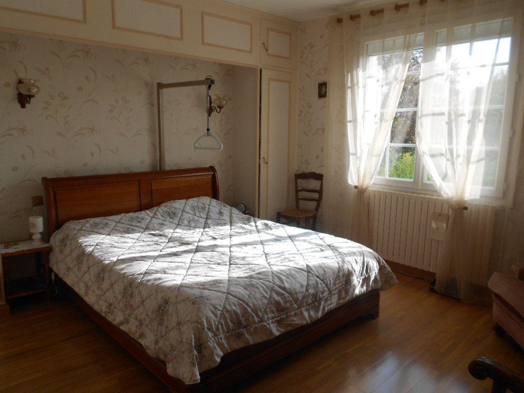 Maison à louer 5 130m2 à Niort vignette-7
