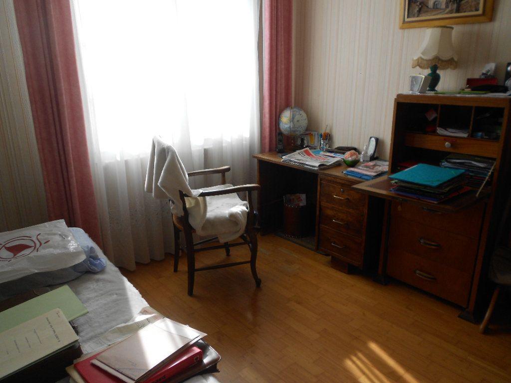 Maison à louer 5 130m2 à Niort vignette-8