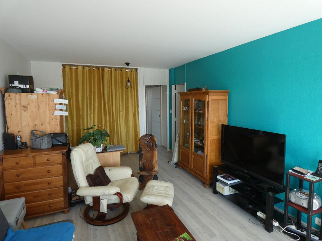 Appartement à vendre 3 76.21m2 à Niort vignette-3