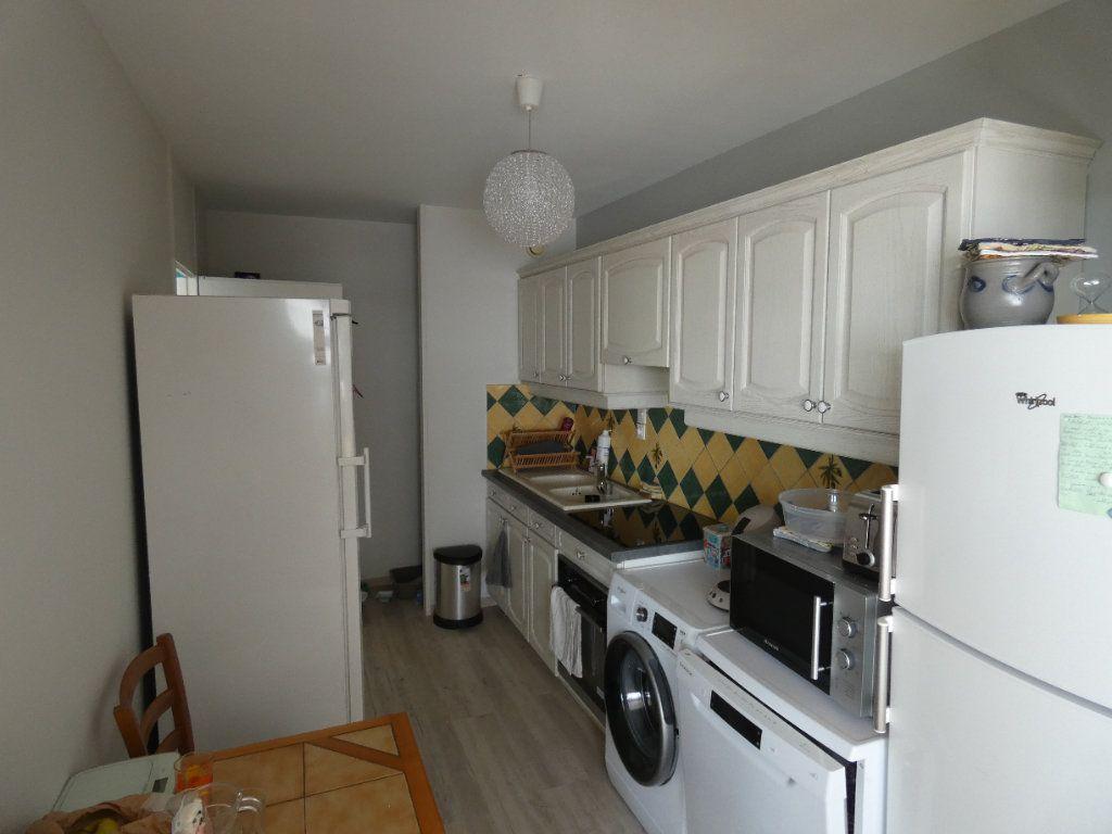 Appartement à vendre 3 76.21m2 à Niort vignette-4
