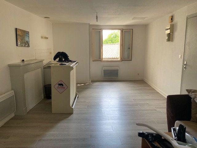 Appartement à louer 2 41m2 à Niort vignette-1