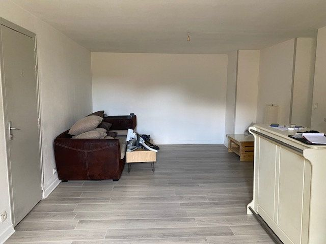 Appartement à louer 2 41m2 à Niort vignette-2