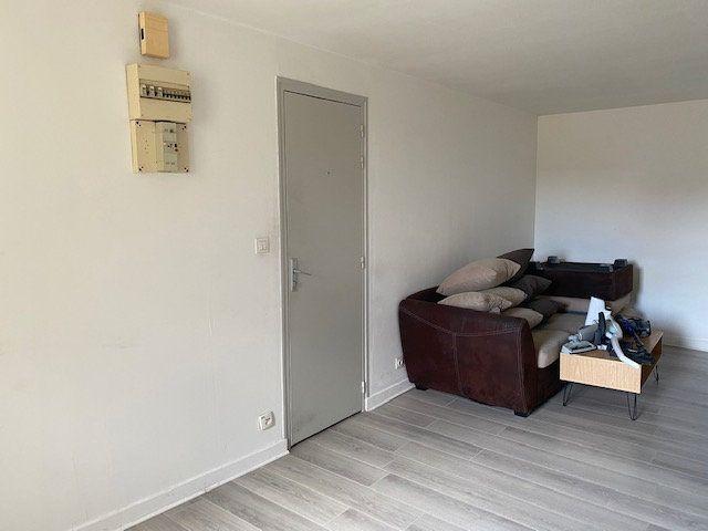 Appartement à louer 2 41m2 à Niort vignette-3
