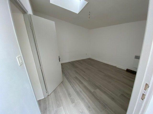 Appartement à louer 2 41m2 à Niort vignette-6