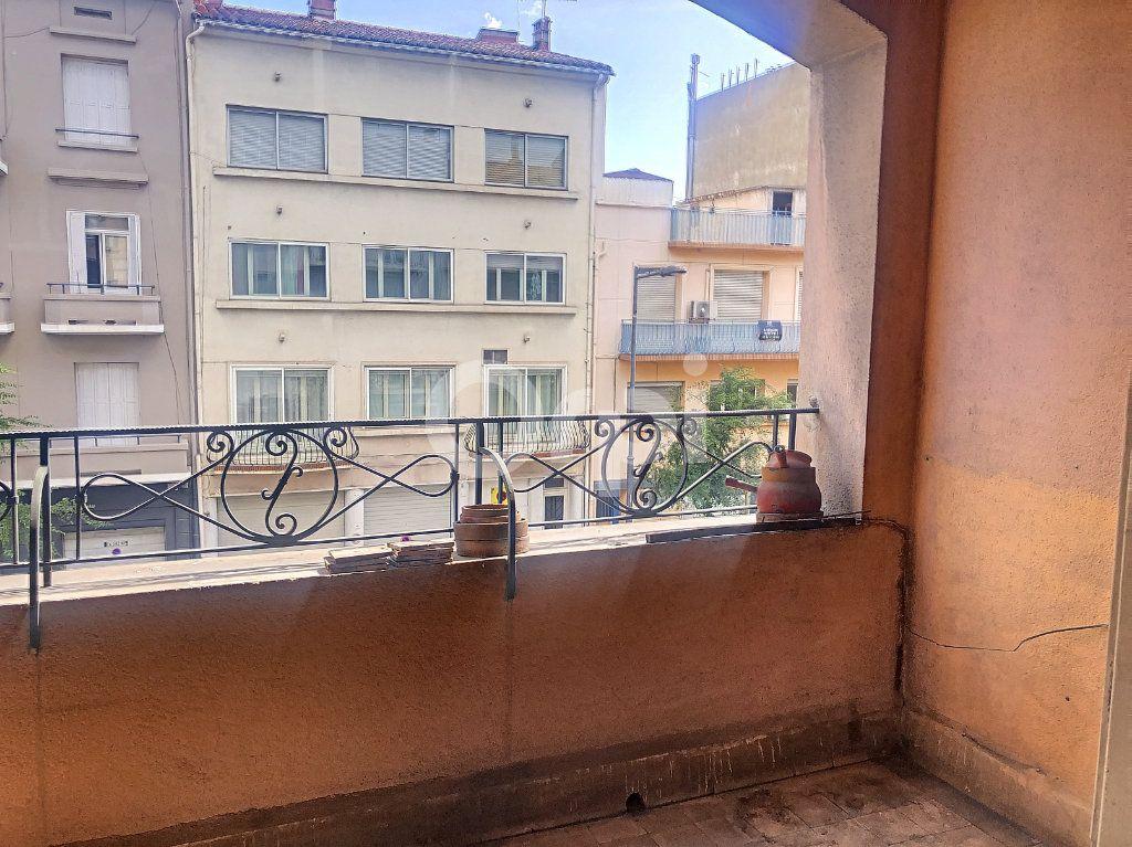 Appartement à vendre 4 92.45m2 à Perpignan vignette-3