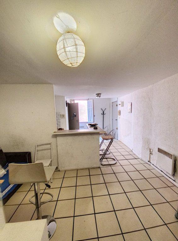 Appartement à vendre 1 27m2 à Perpignan vignette-2