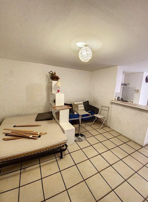 Appartement à vendre 1 27m2 à Perpignan vignette-4