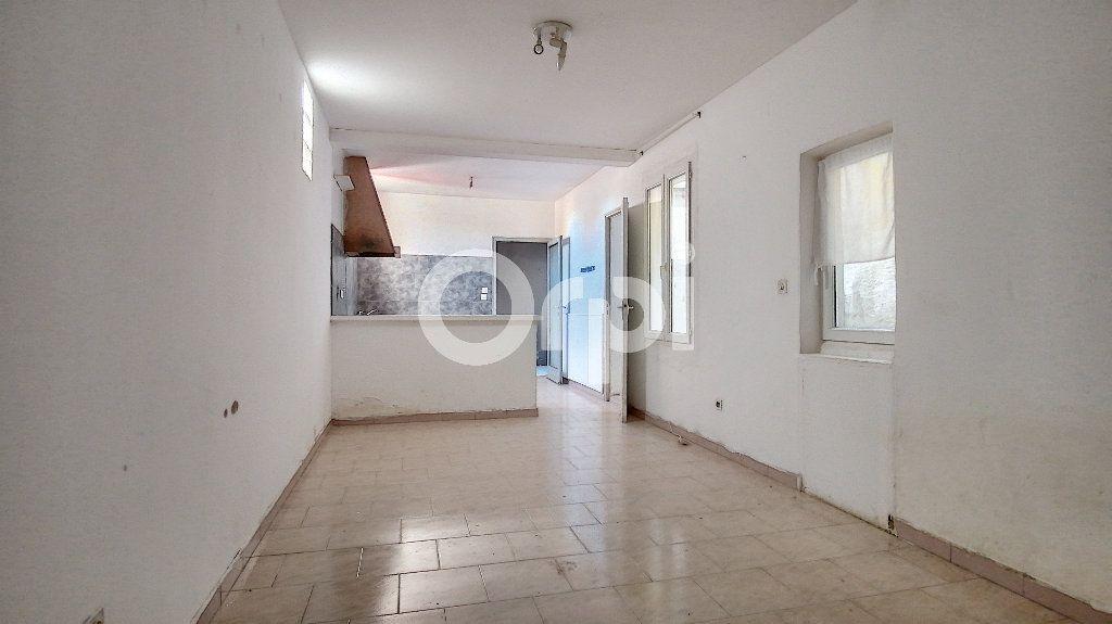 Immeuble à vendre 0 91m2 à Perpignan vignette-1