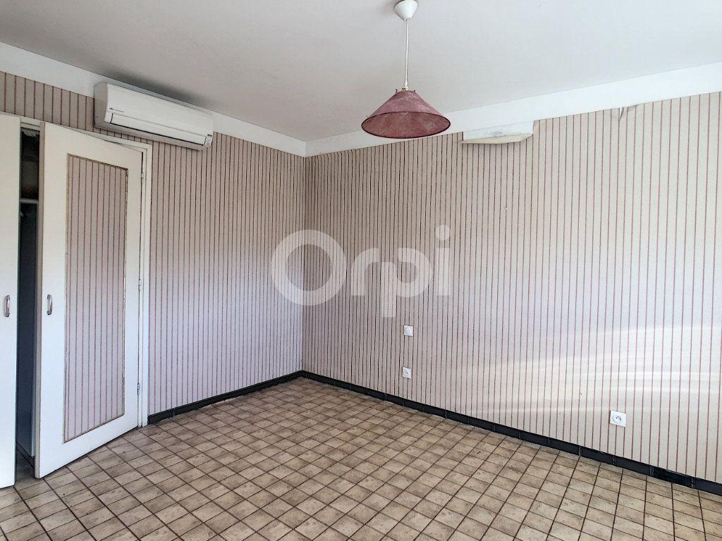 Maison à vendre 6 128.86m2 à Le Barcarès vignette-11