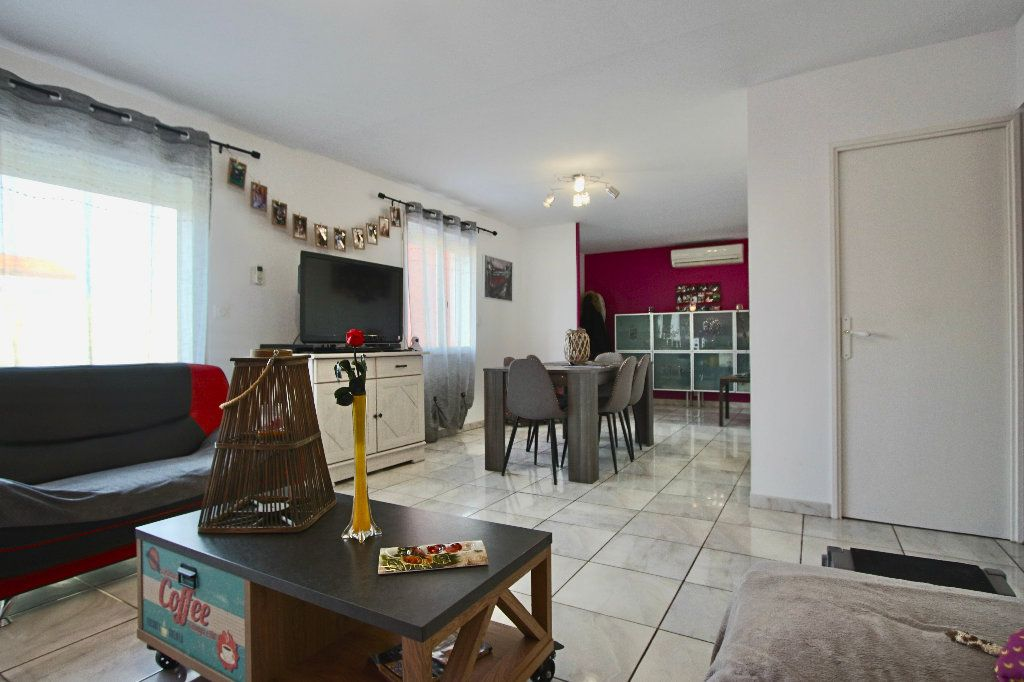 Maison à vendre 6 143m2 à Saleilles vignette-4