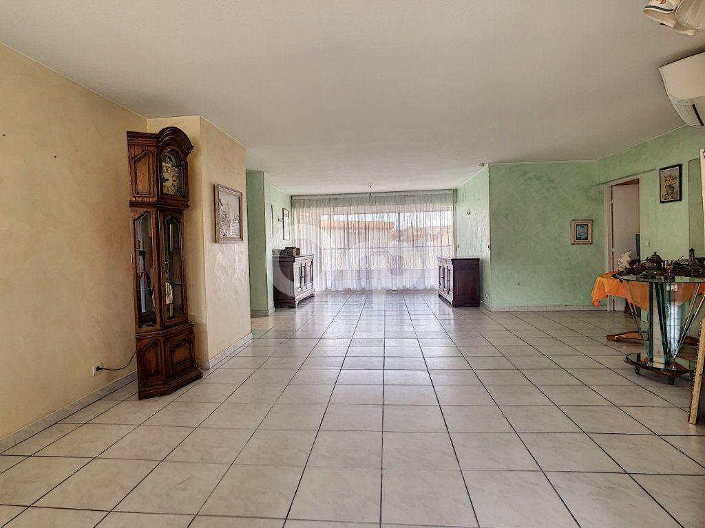 Appartement à vendre 4 112m2 à Perpignan vignette-7