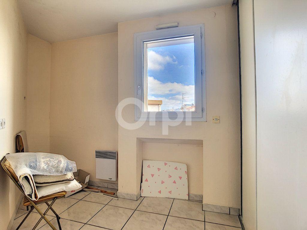 Appartement à vendre 4 112m2 à Perpignan vignette-13