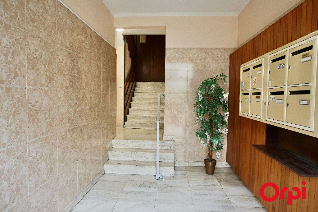 Appartement à vendre 3 62m2 à Perpignan vignette-10
