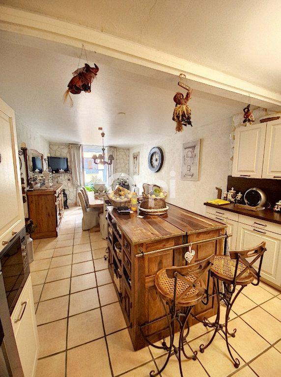 Maison à louer 4 119m2 à Saint-Féliu-d'Avall vignette-2