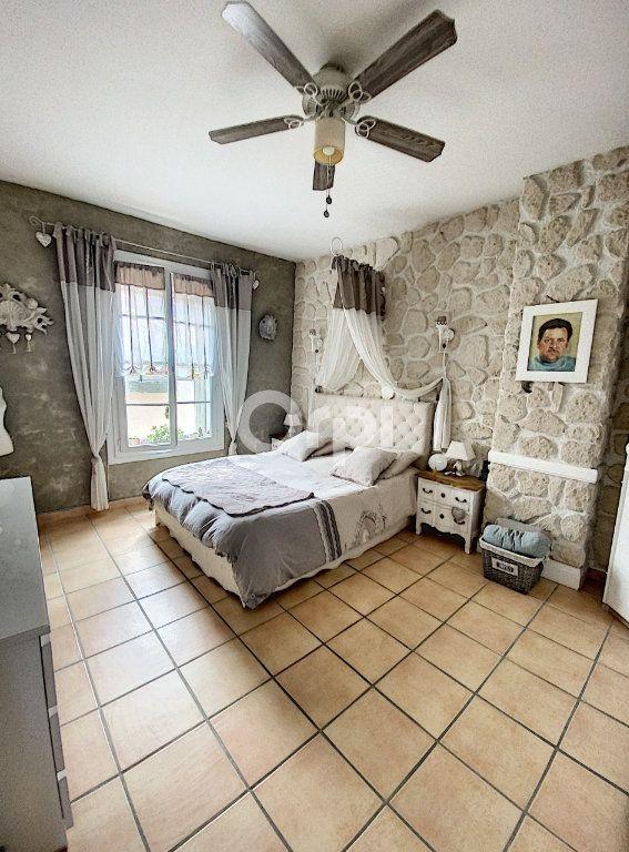 Maison à louer 4 119m2 à Saint-Féliu-d'Avall vignette-6