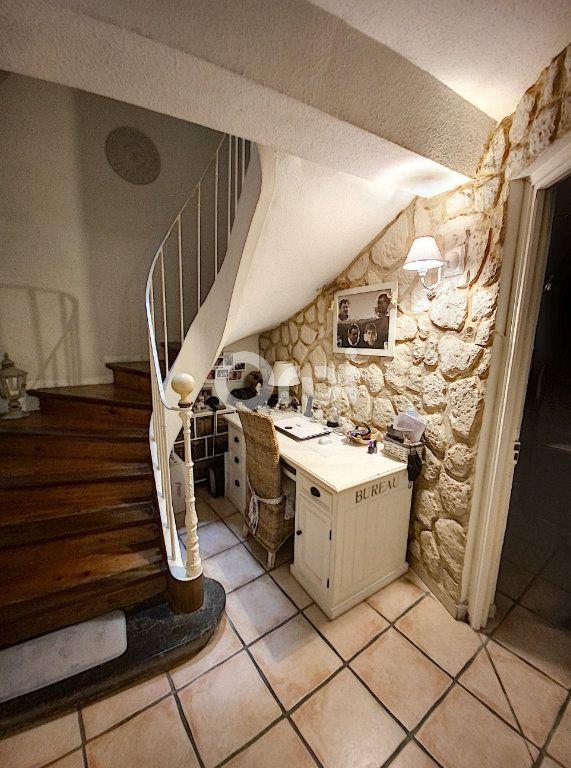 Maison à louer 4 119m2 à Saint-Féliu-d'Avall vignette-8