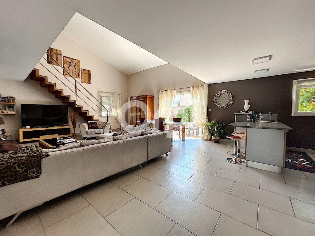 Maison à vendre 4 137.6m2 à Cabestany vignette-2