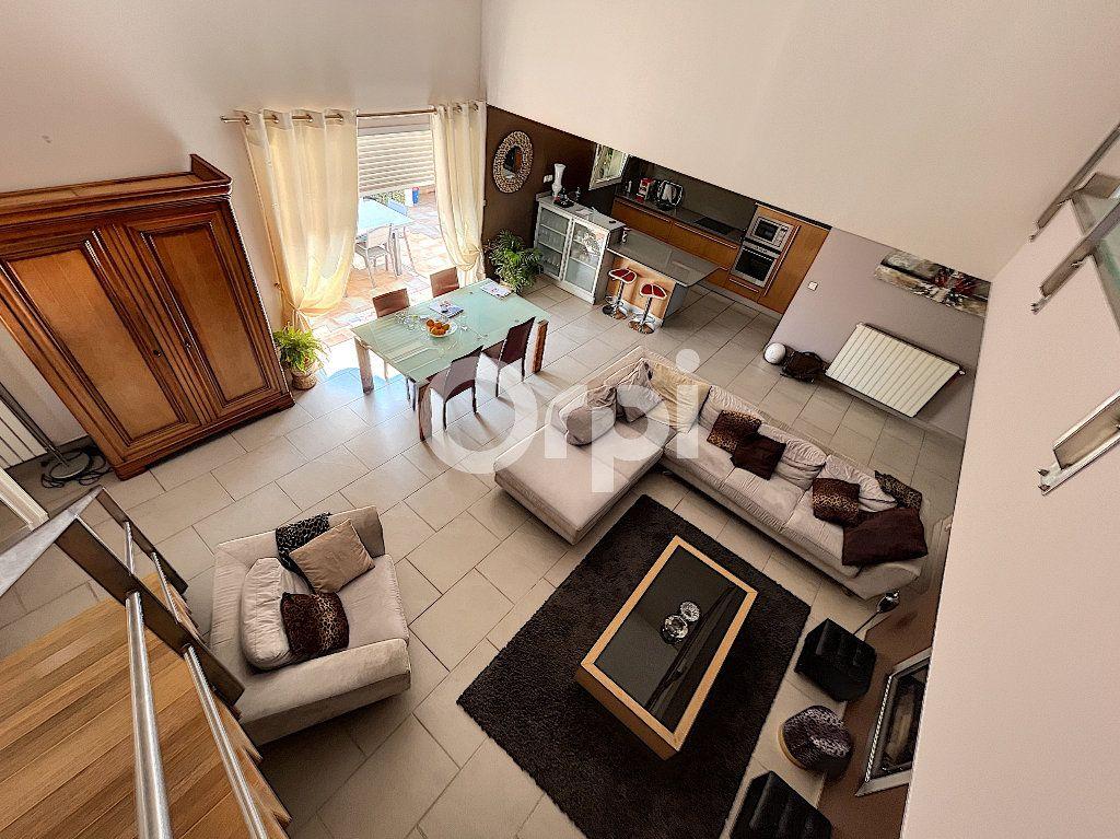 Maison à vendre 4 137.6m2 à Cabestany vignette-3