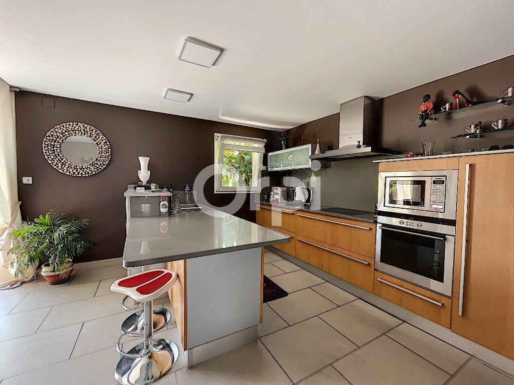 Maison à vendre 4 137.6m2 à Cabestany vignette-4