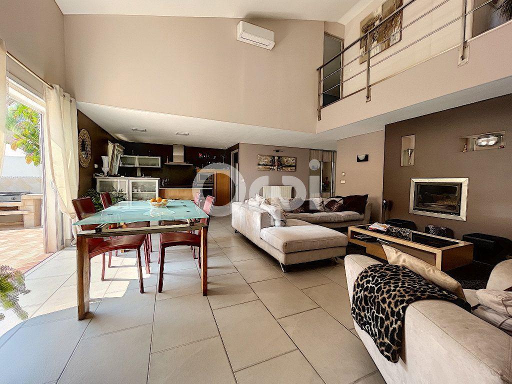 Maison à vendre 4 137.6m2 à Cabestany vignette-5
