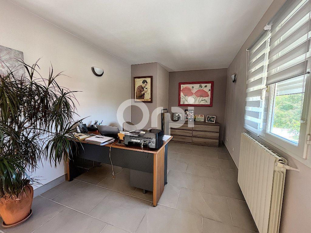 Maison à vendre 4 137.6m2 à Cabestany vignette-7