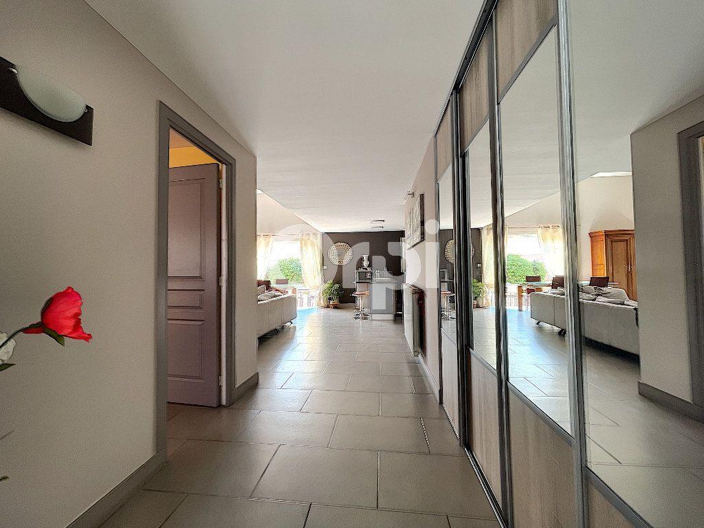 Maison à vendre 4 137.6m2 à Cabestany vignette-8