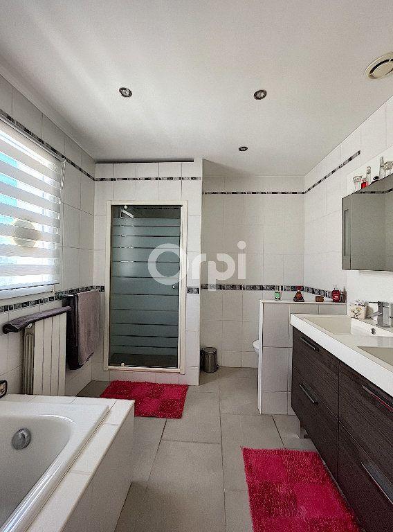 Maison à vendre 4 137.6m2 à Cabestany vignette-11