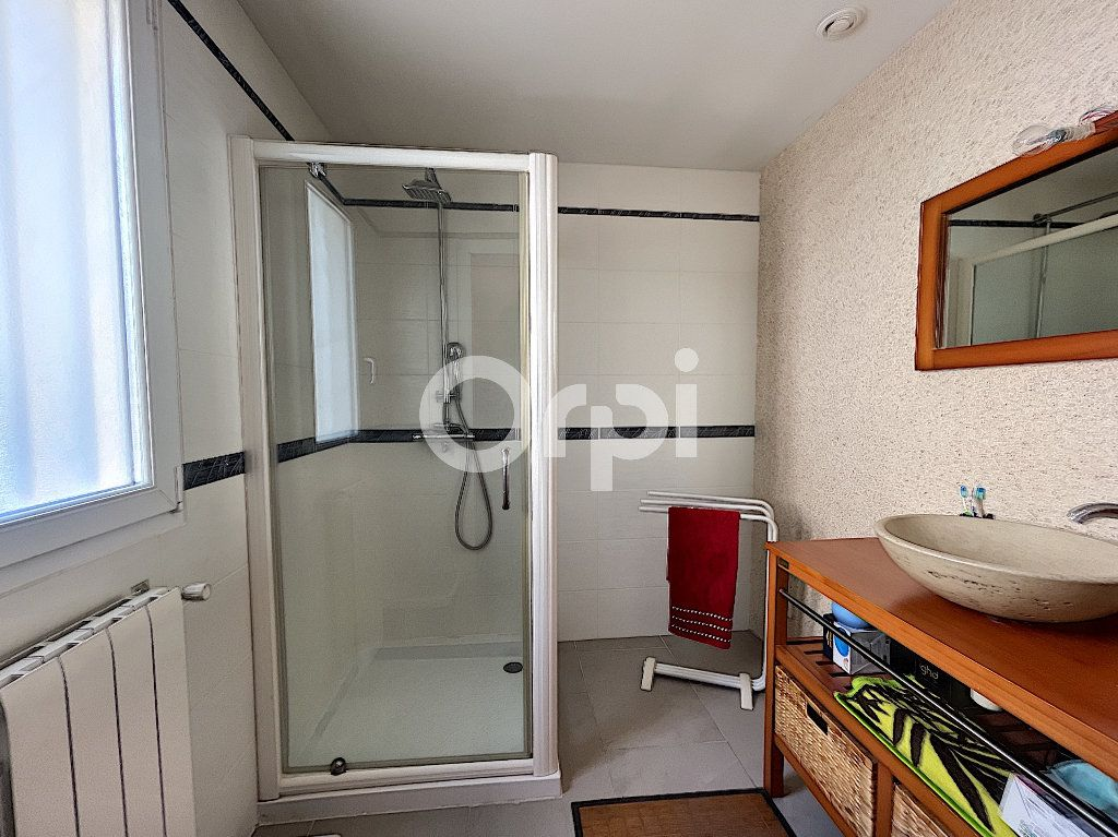 Maison à vendre 4 137.6m2 à Cabestany vignette-13