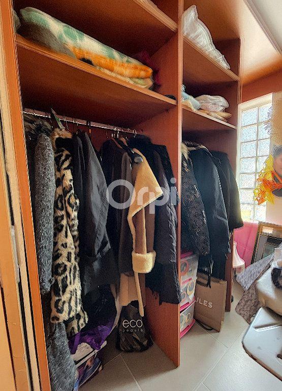 Maison à vendre 4 137.6m2 à Cabestany vignette-14