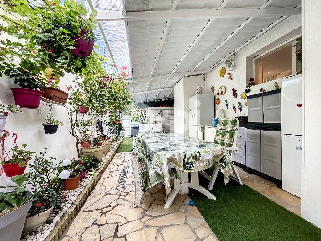 Maison à vendre 4 88m2 à Canet-en-Roussillon vignette-5