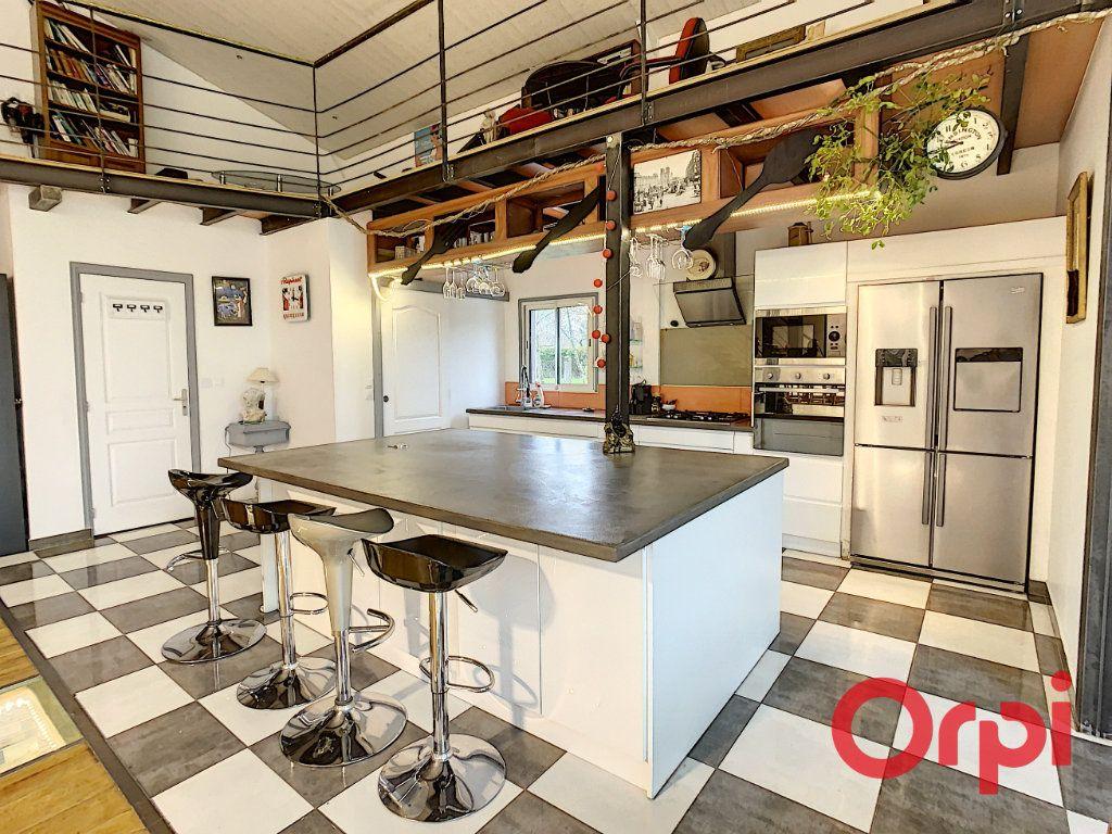 Maison à vendre 10 320m2 à Vendat vignette-1