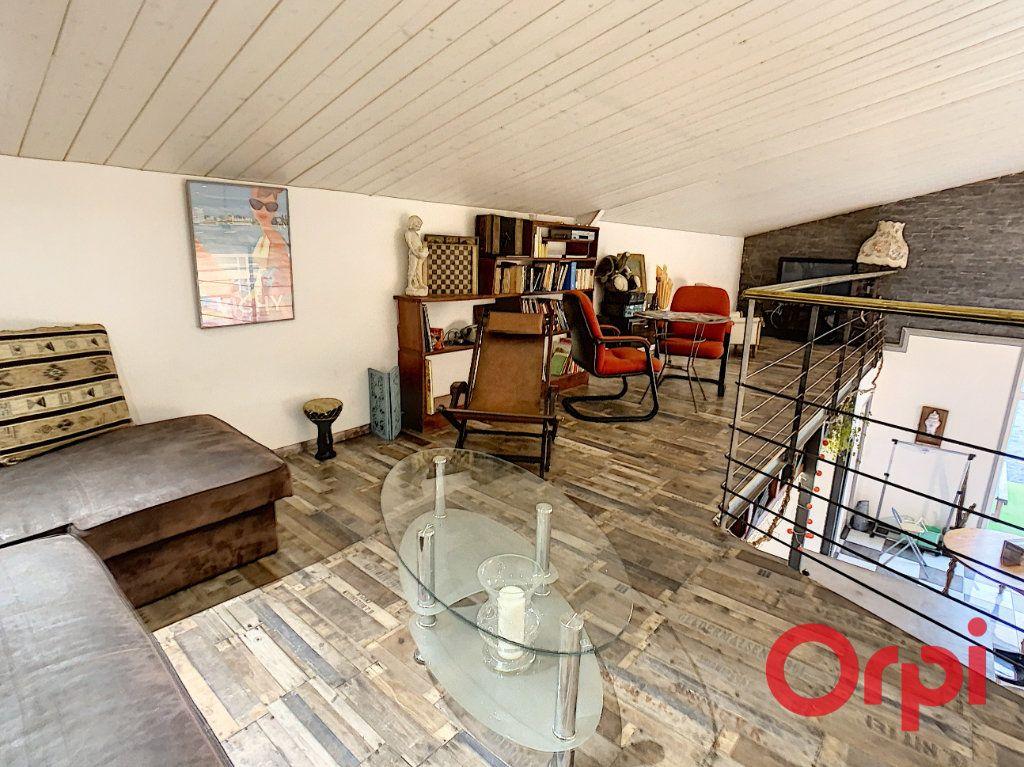Maison à vendre 10 320m2 à Vendat vignette-6