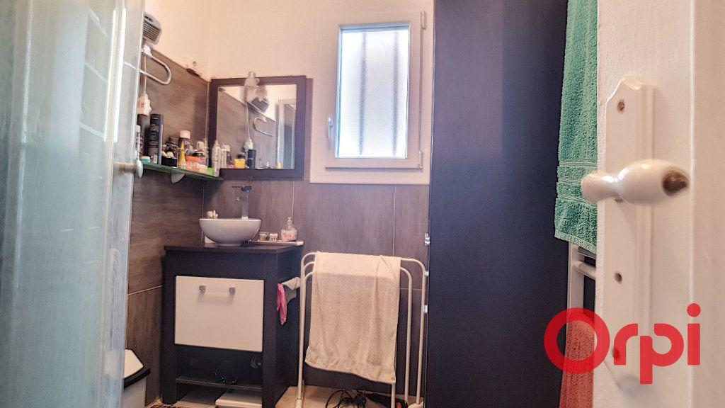 Maison à vendre 10 320m2 à Vendat vignette-15
