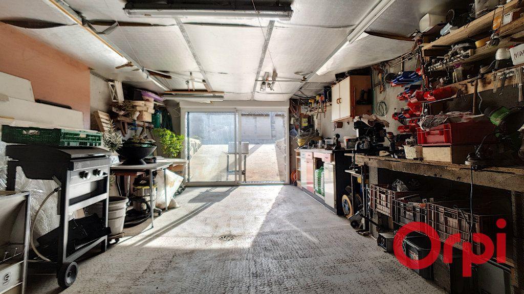 Maison à vendre 10 320m2 à Vendat vignette-18