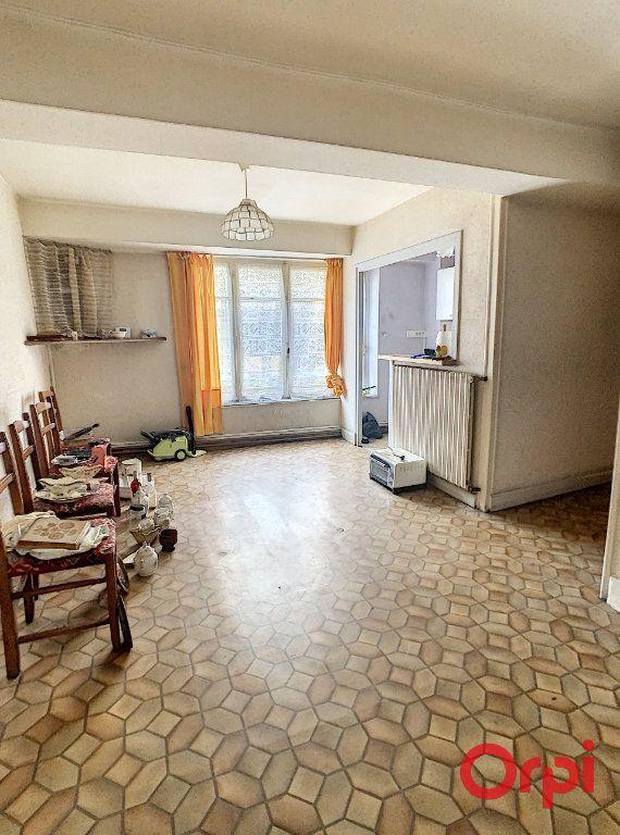 Maison à vendre 6 170m2 à Gannat vignette-4