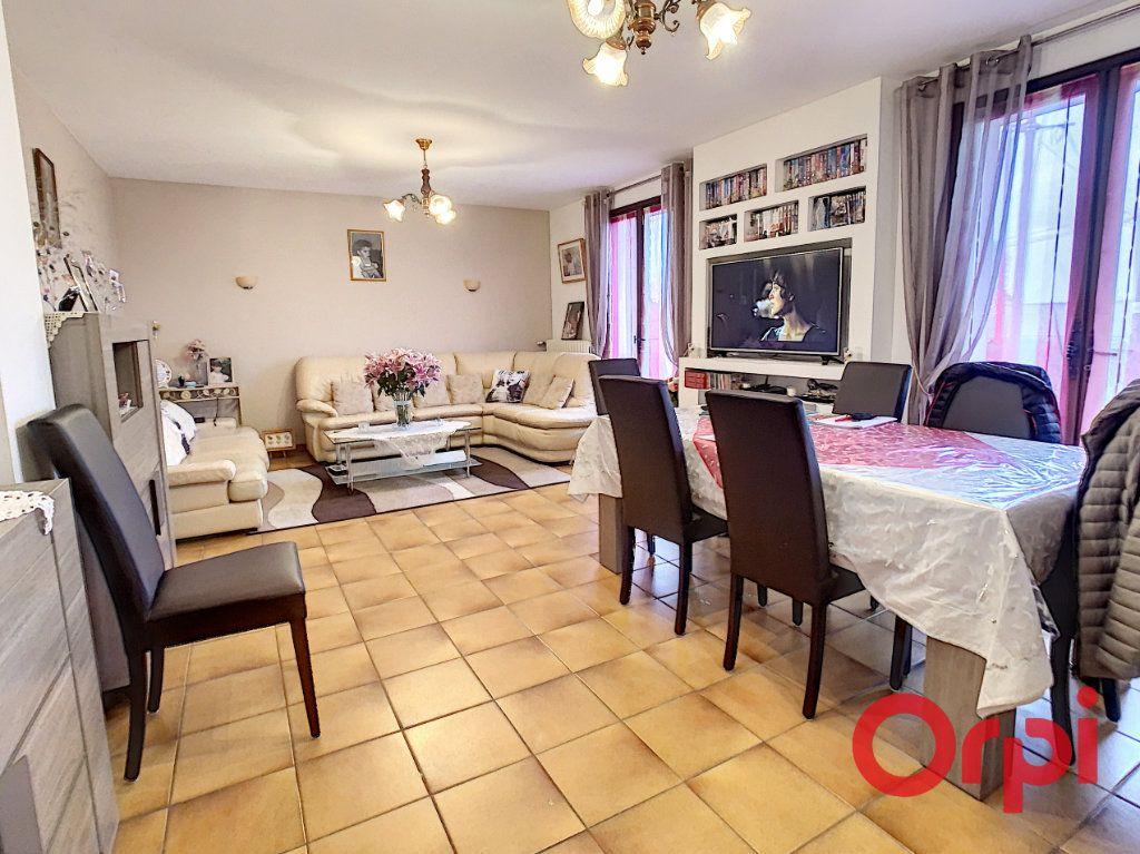 Maison à vendre 5 107m2 à Vendat vignette-3